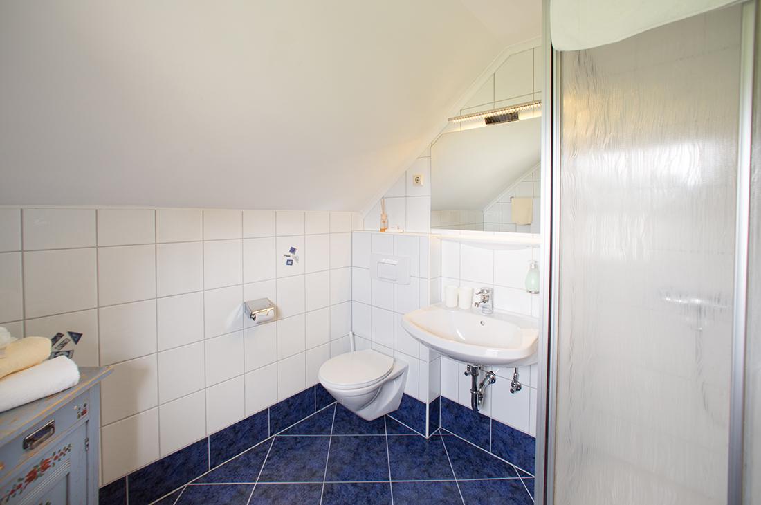 Zimmer hofer hof for Badezimmer zonen